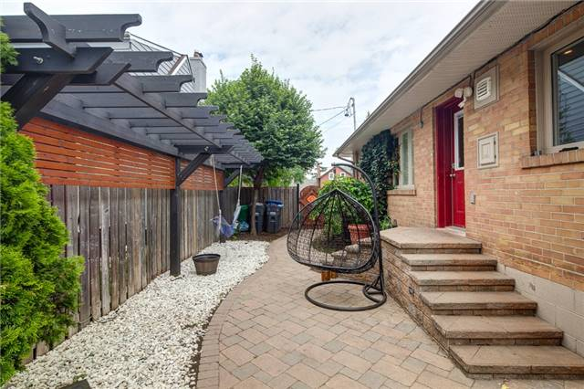 Detached at 459 North Service Rd, Mississauga, Ontario. Image 12