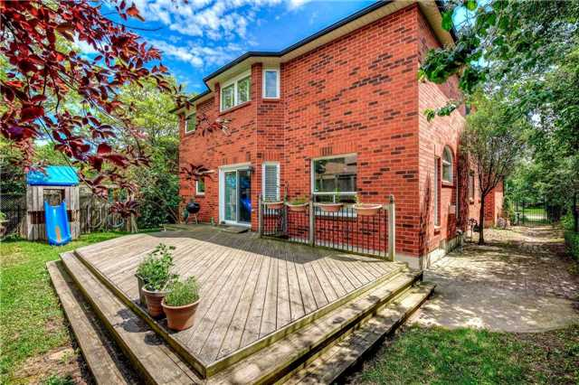 Detached at 1329 Stonecutter Dr, Oakville, Ontario. Image 13