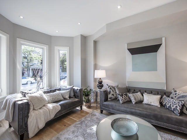 Detached at 347 Pacific Ave, Toronto, Ontario. Image 12