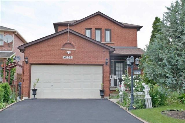 Detached at 4707 Rosebush Rd, Mississauga, Ontario. Image 12