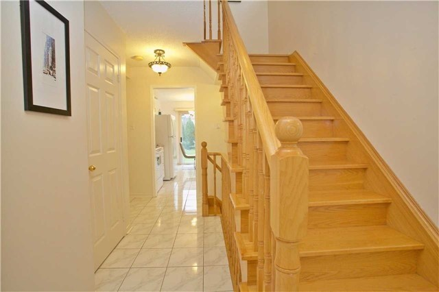 Detached at 4707 Rosebush Rd, Mississauga, Ontario. Image 14