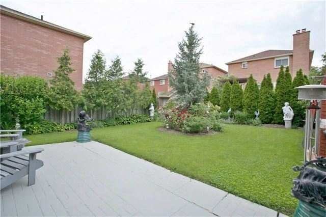 Detached at 4707 Rosebush Rd, Mississauga, Ontario. Image 11