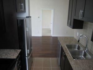 Condo Apartment at 4070 Confederation Pkwy, Unit 2807, Mississauga, Ontario. Image 4
