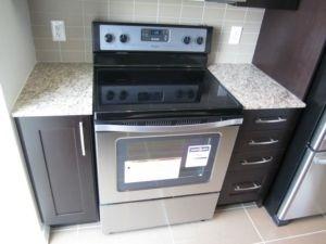 Condo Apartment at 4070 Confederation Pkwy, Unit 2807, Mississauga, Ontario. Image 5