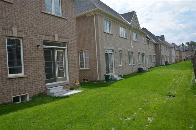 Townhouse at 519 Terrace Way, Oakville, Ontario. Image 10