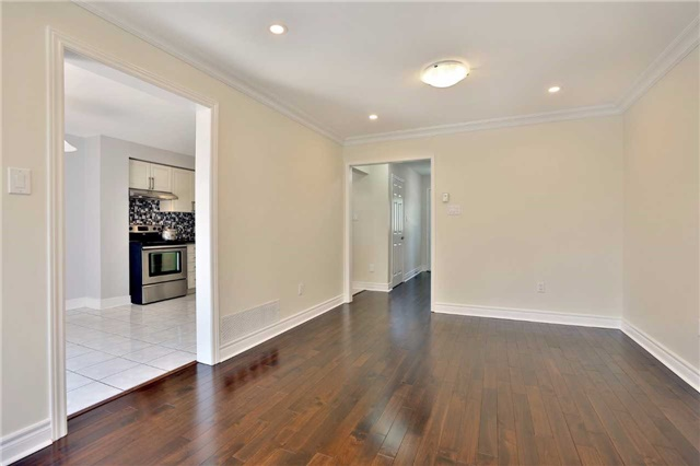 Townhouse at 3436 Fenwick Cres, Mississauga, Ontario. Image 16