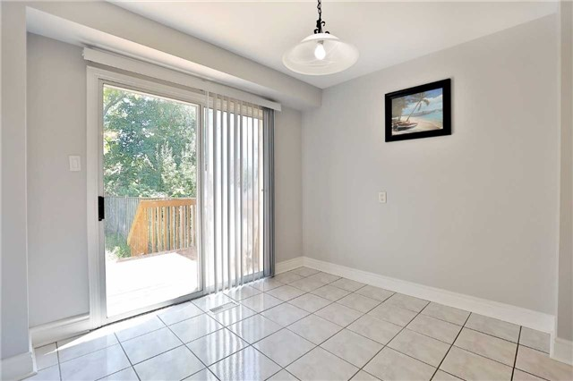 Townhouse at 3436 Fenwick Cres, Mississauga, Ontario. Image 20