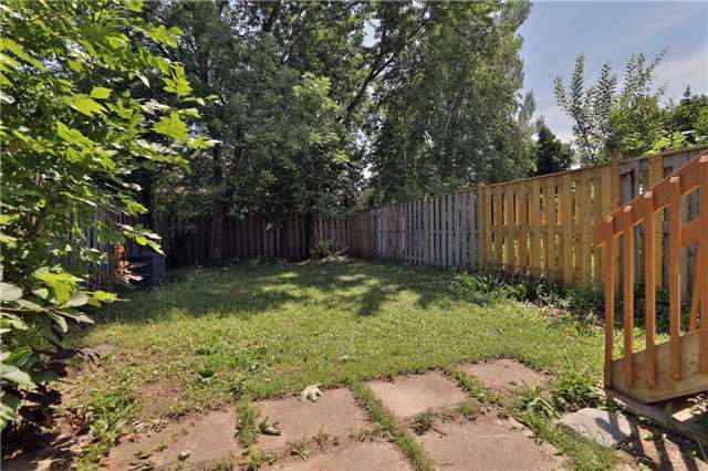 Townhouse at 3436 Fenwick Cres, Mississauga, Ontario. Image 13