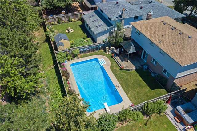 Detached at 2543 Waterford St, Oakville, Ontario. Image 12