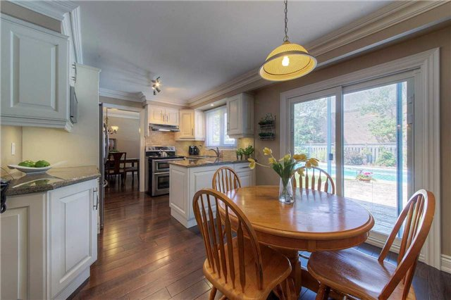 Detached at 2543 Waterford St, Oakville, Ontario. Image 18