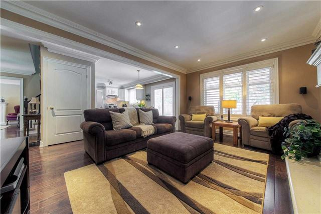 Detached at 2543 Waterford St, Oakville, Ontario. Image 20