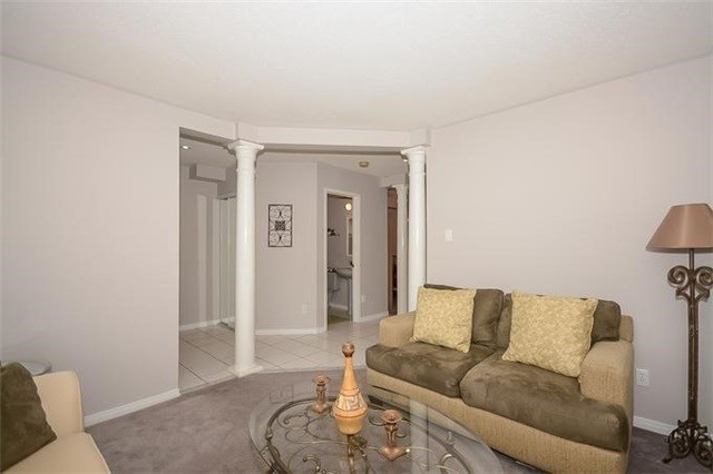 Detached at 20 Meadow Glade Rd, Brampton, Ontario. Image 16