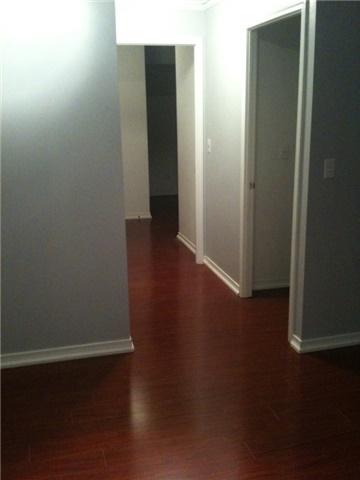 Condo Apartment at 2565 Erin Centre Blvd, Unit 1006, Mississauga, Ontario. Image 5