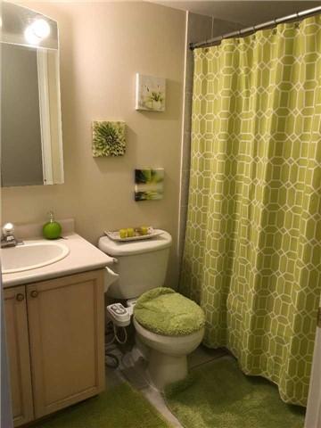Condo Apartment at 2565 Erin Centre Blvd, Unit 1006, Mississauga, Ontario. Image 6