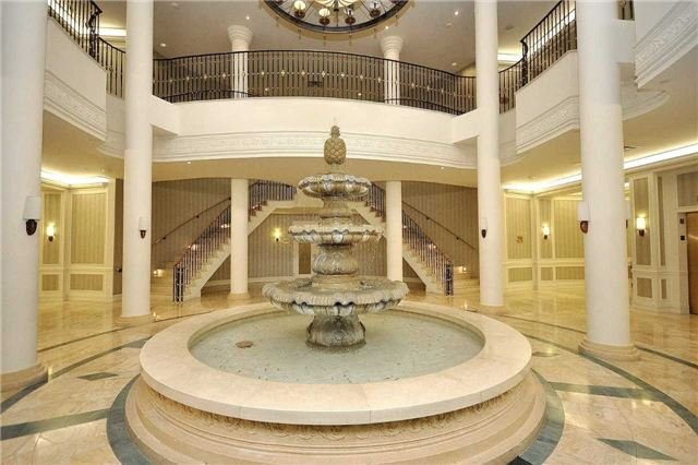 Condo Apartment at 25 Kingsbridge Garden Circ, Unit 224, Mississauga, Ontario. Image 12