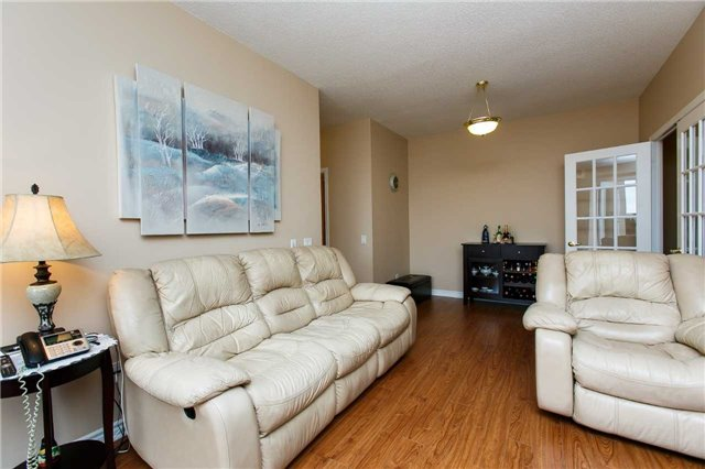 Condo Apartment at 25 Kingsbridge Garden Circ, Unit 224, Mississauga, Ontario. Image 18