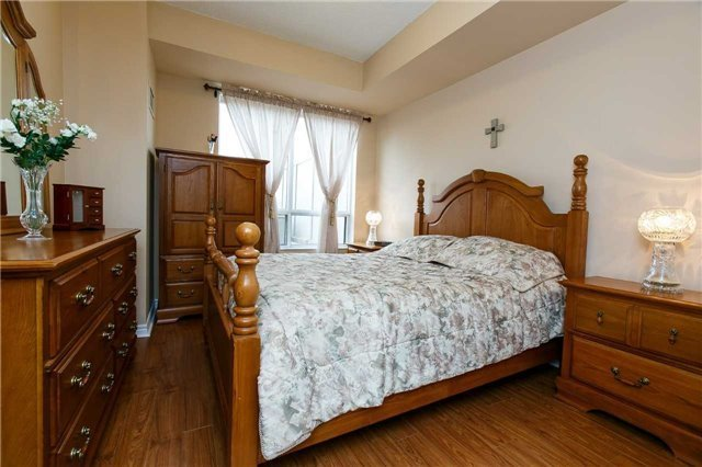 Condo Apartment at 25 Kingsbridge Garden Circ, Unit 224, Mississauga, Ontario. Image 19