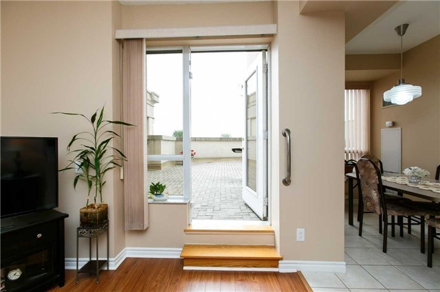 Condo Apartment at 25 Kingsbridge Garden Circ, Unit 224, Mississauga, Ontario. Image 4