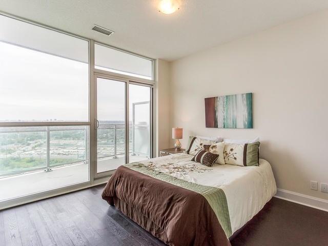 Condo Apartment at 33 Shore Breeze Dr, Unit 3403, Toronto, Ontario. Image 3