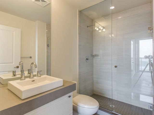 Condo Apartment at 33 Shore Breeze Dr, Unit 3403, Toronto, Ontario. Image 7