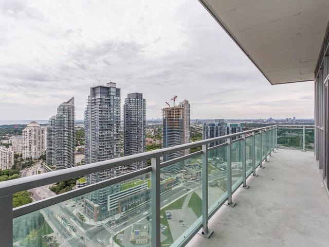 Condo Apartment at 33 Shore Breeze Dr, Unit 3403, Toronto, Ontario. Image 8