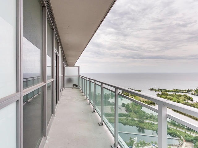 Condo Apartment at 33 Shore Breeze Dr, Unit 3403, Toronto, Ontario. Image 9