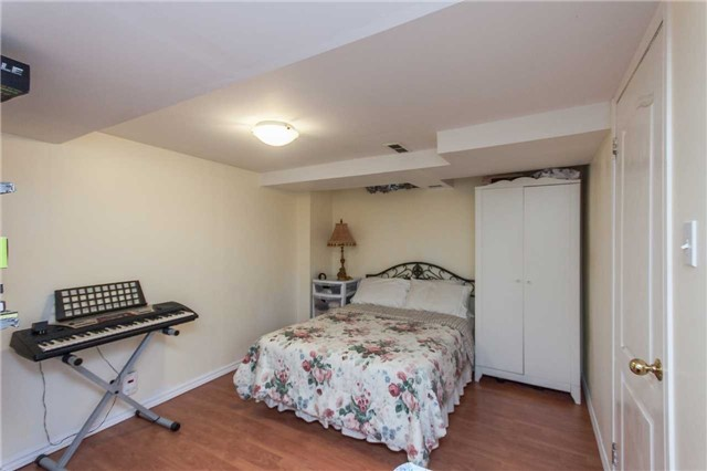 Condo Townhouse at 1292 Sherwood Mills Blvd E, Unit 105, Mississauga, Ontario. Image 8