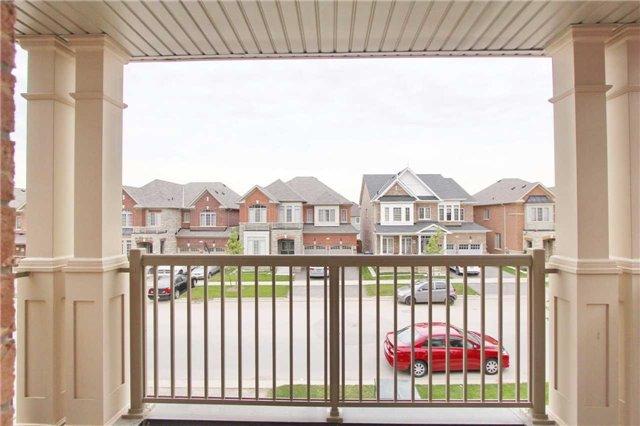 Detached at 32 Kilkarrin Rd S, Brampton, Ontario. Image 3