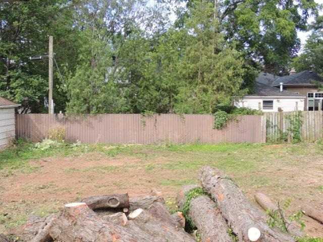 Detached at 469 Crosby Ave, Burlington, Ontario. Image 2