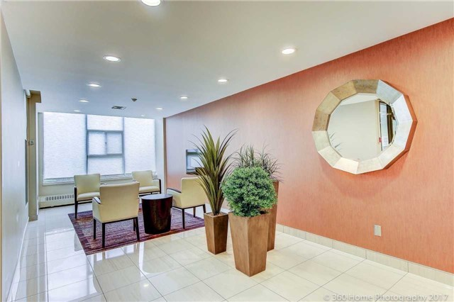 Condo Apartment at 2665 Windwood Dr, Unit 201, Mississauga, Ontario. Image 14