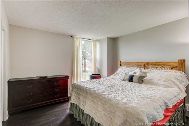 Condo Apartment at 2665 Windwood Dr, Unit 201, Mississauga, Ontario. Image 8