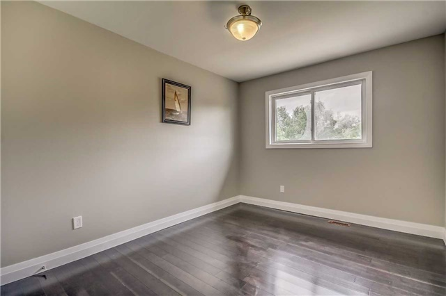 Semi-detached at 7299 Sigsbee Dr, Mississauga, Ontario. Image 18
