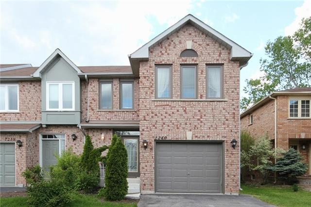 Townhouse at 2240 Dale Ridge Dr, Oakville, Ontario. Image 1