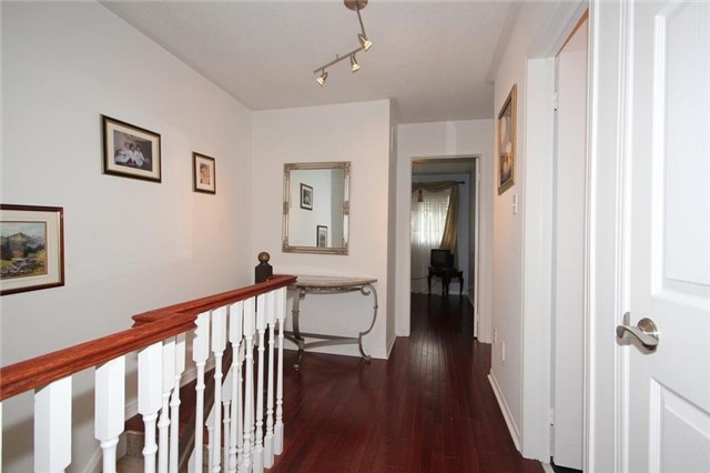 Townhouse at 2240 Dale Ridge Dr, Oakville, Ontario. Image 19