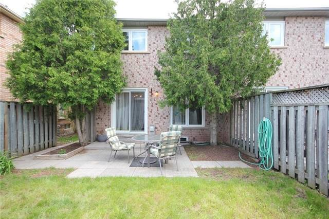 Townhouse at 2240 Dale Ridge Dr, Oakville, Ontario. Image 9