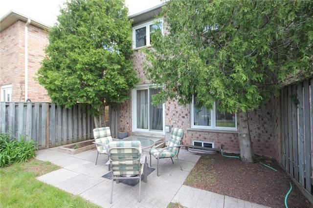 Townhouse at 2240 Dale Ridge Dr, Oakville, Ontario. Image 10