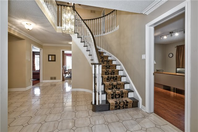 Detached at 1492 Tanner Crt, Oakville, Ontario. Image 12