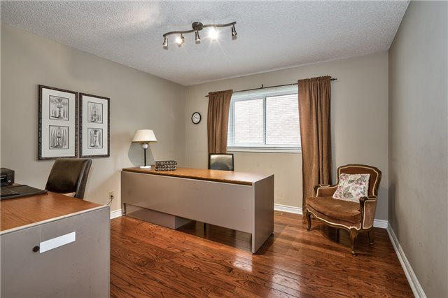 Detached at 1492 Tanner Crt, Oakville, Ontario. Image 15