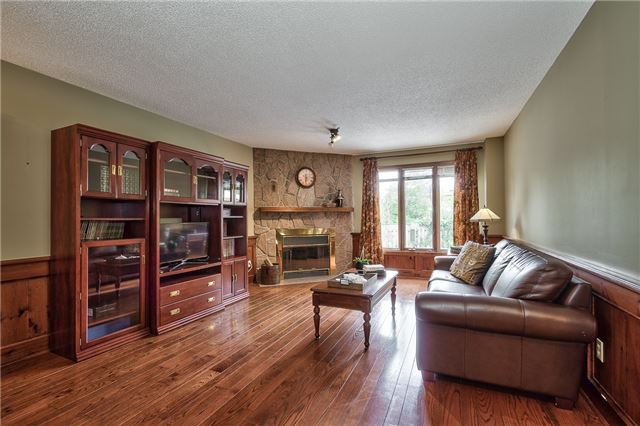 Detached at 1492 Tanner Crt, Oakville, Ontario. Image 16