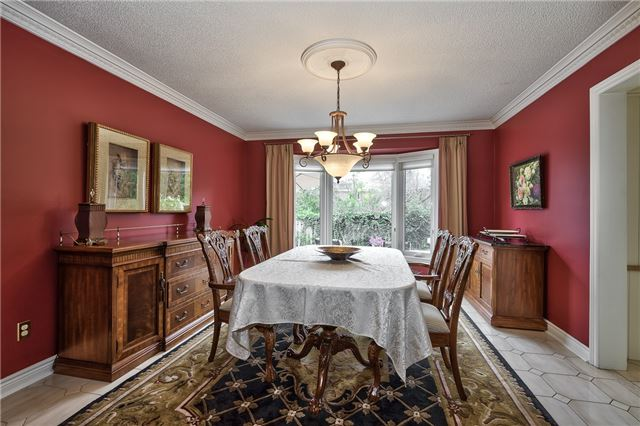 Detached at 1492 Tanner Crt, Oakville, Ontario. Image 17