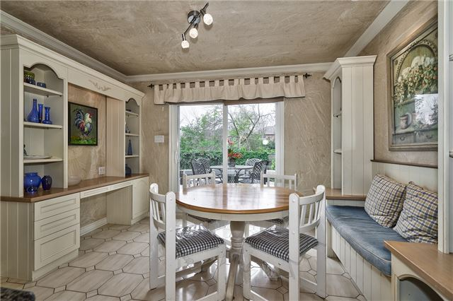 Detached at 1492 Tanner Crt, Oakville, Ontario. Image 20