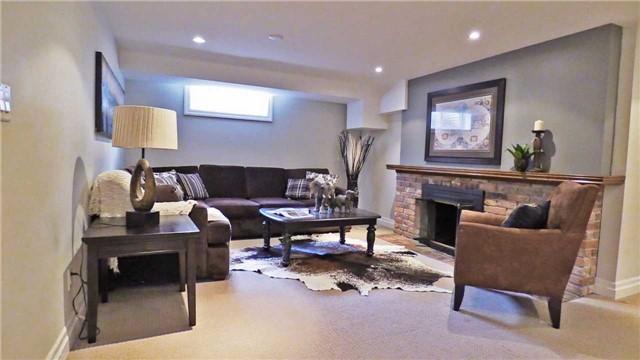 Detached at 1564 Merrow Rd, Mississauga, Ontario. Image 8