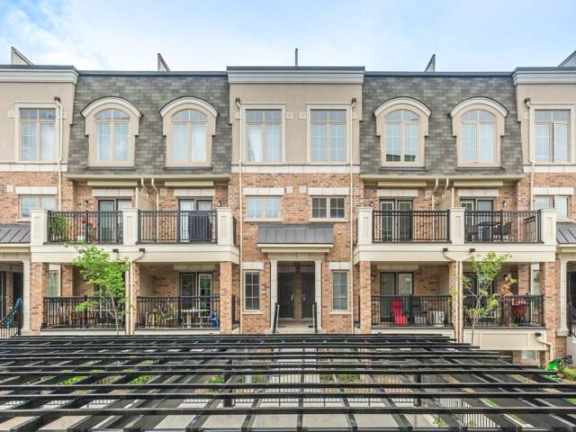 Condo Townhouse at 2441 Greenwich Dr, Unit 121, Oakville, Ontario. Image 1