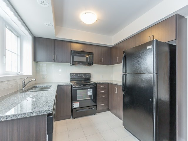 Condo Townhouse at 2441 Greenwich Dr, Unit 121, Oakville, Ontario. Image 16