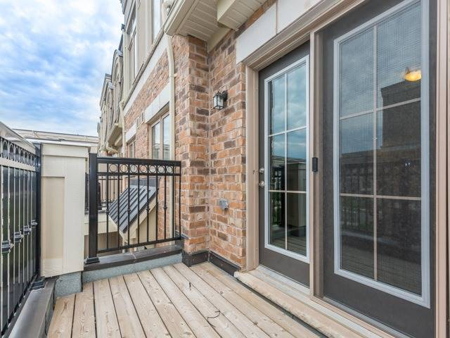 Condo Townhouse at 2441 Greenwich Dr, Unit 121, Oakville, Ontario. Image 18