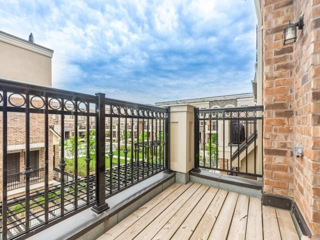 Condo Townhouse at 2441 Greenwich Dr, Unit 121, Oakville, Ontario. Image 19