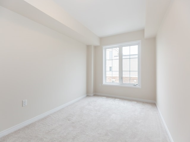 Condo Townhouse at 2441 Greenwich Dr, Unit 121, Oakville, Ontario. Image 7