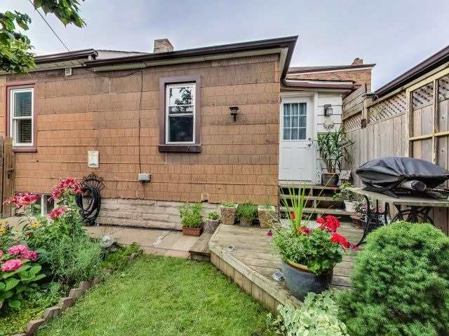 Detached at 103 Holwood Ave, Toronto, Ontario. Image 11