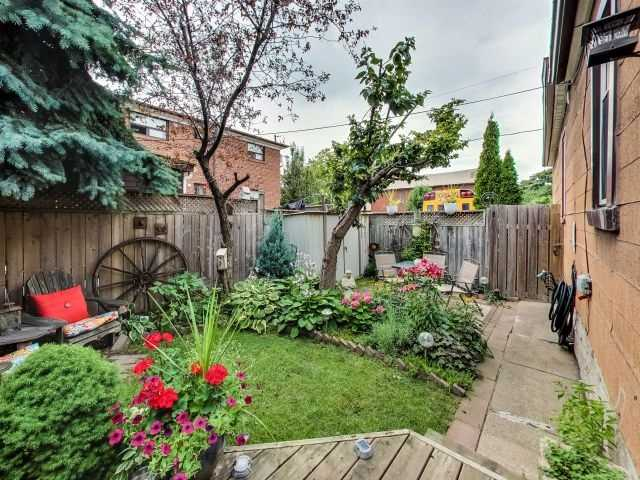Detached at 103 Holwood Ave, Toronto, Ontario. Image 13