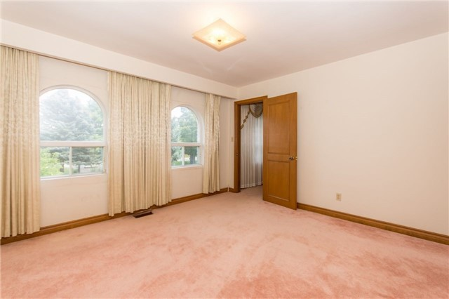 Detached at 12420 Old Kennedy Rd, Caledon, Ontario. Image 3